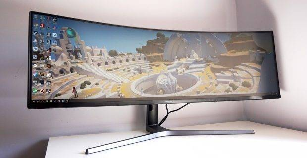 Samsung CHG90 review: We're gonna need a bigger desk