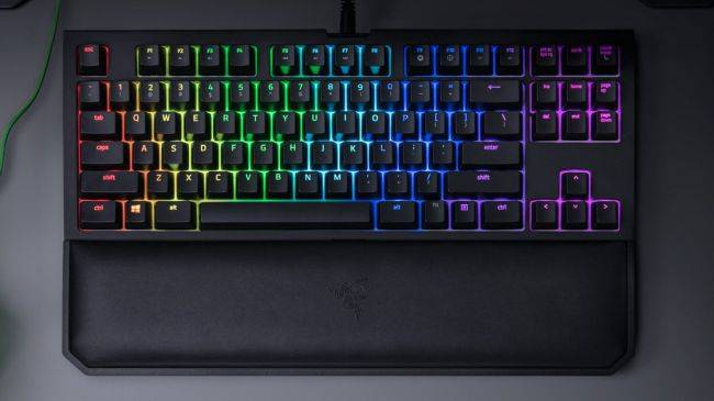 Razer's BlackWidow Tournament Edition V2 keyboard is $34 off right now