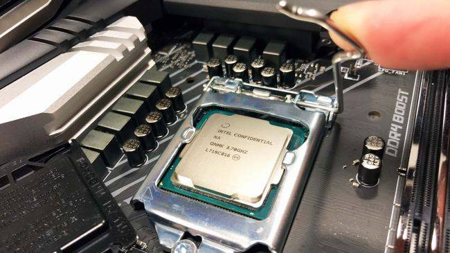 Intel's clawing back CPU market share from AMD thanks to home workers