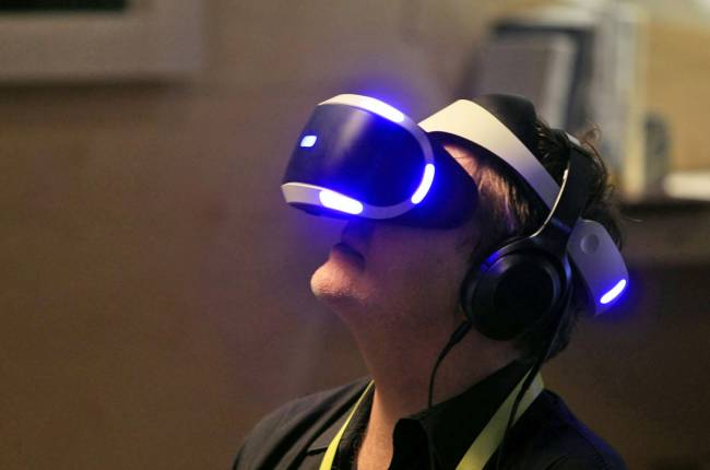 Sony's $400 PSVR bundle finally includes the required camera