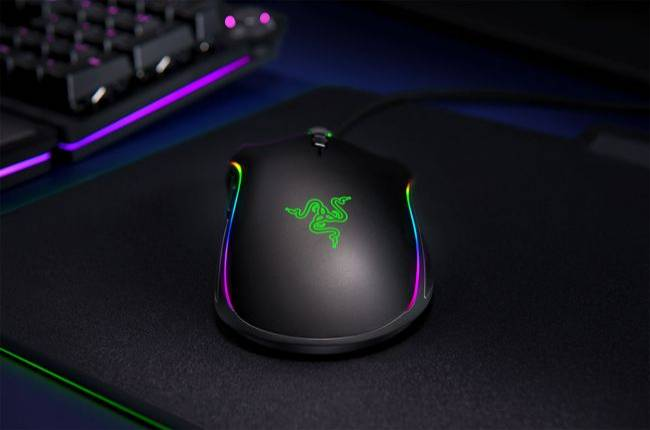 Razer upgrades its Mamba mouse with an optical sensor for smoother tracking