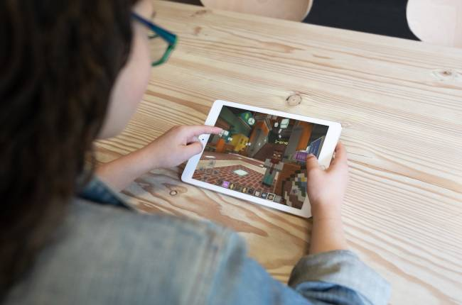 'Minecraft: Education Edition' arrives on iPad in September