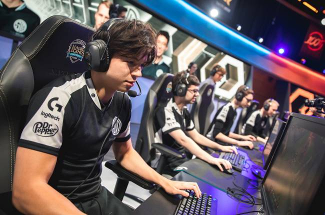 Is Riot spending less on professional League of Legends?