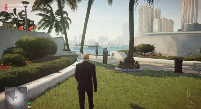 Watch Hitman 2's homing briefcase chase someone for 2 minutes