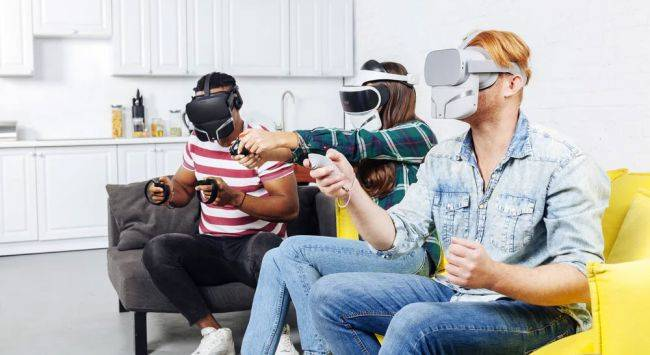This VR mask accessory aims to bring real smells to virtual worlds