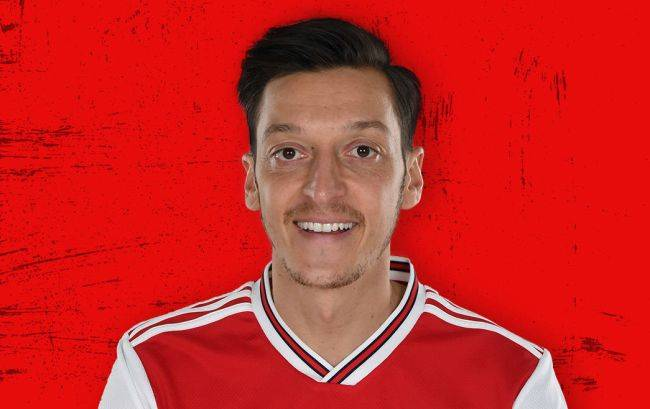 Star soccer player Mesut Ozil removed from PES 2020 in China over tweets criticizing the government