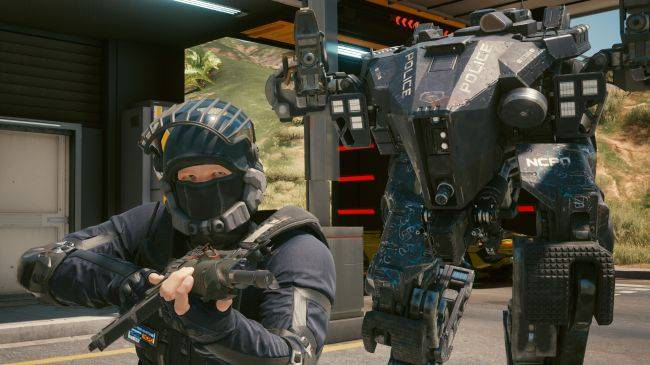 Cyberpunk 2077 cops are such dirty cheaters they don't even need cars to catch you