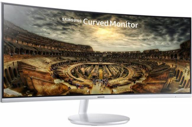 Samsung 34-inch curved quantum dot monitor is on sale for $700