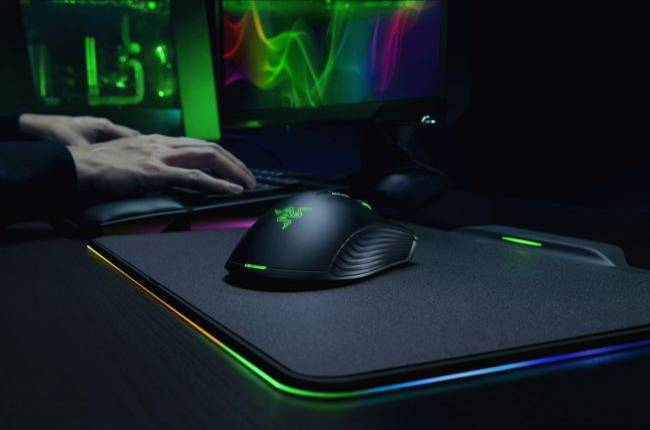 Razer's new wireless gaming mouse is super light because it doesn't have a battery