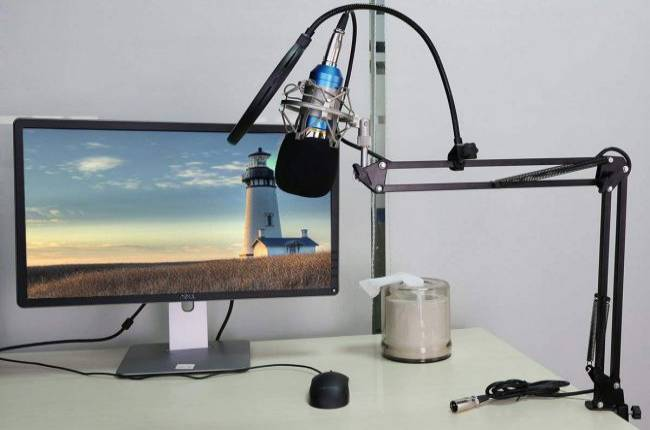 Get an XLR condenser microphone with pop filter and arm stand for only $6