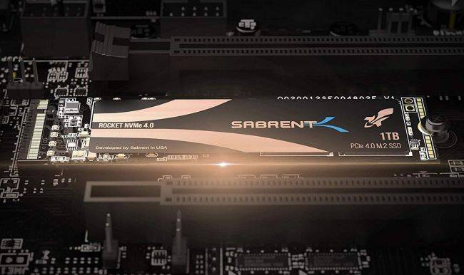 Don't forget the heatink for your crazy-fast PCIe 4.0 SSD
