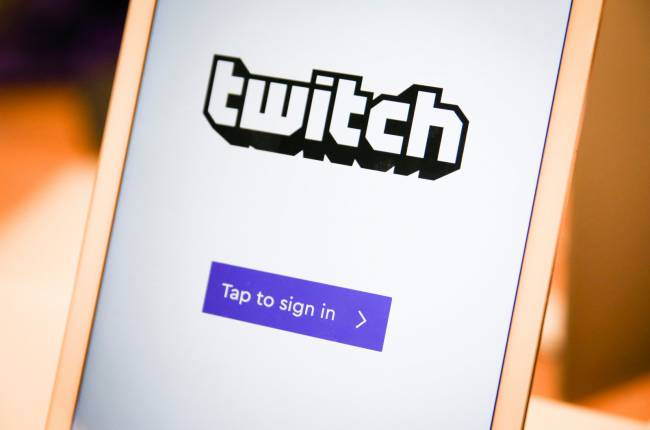 Revamped Twitch app streams live from your phone