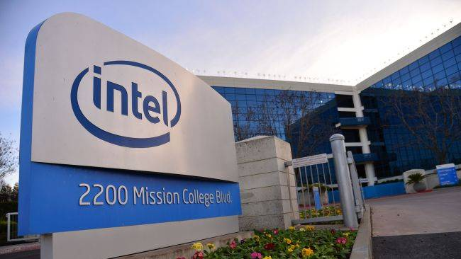 The man tasked with turning around Intel's Core CPUs has resigned