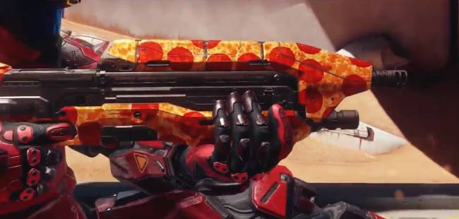 343 embraces the recent outpouring of pizza with a Halo 5 skin