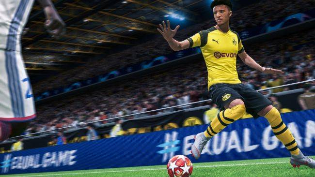 Footballers played their cancelled match in FIFA 20 for more than 60,000 fans