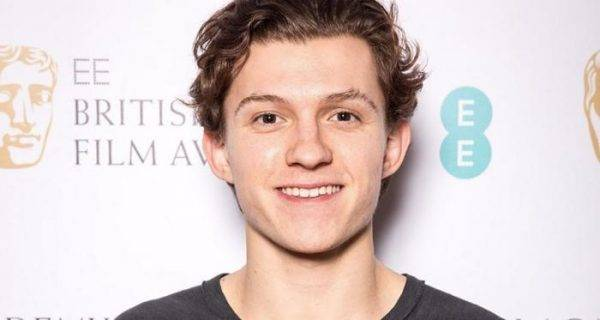 Spider-Man: Homecoming star Tom Holland cast as young Nathan Drake in Uncharted movie – report