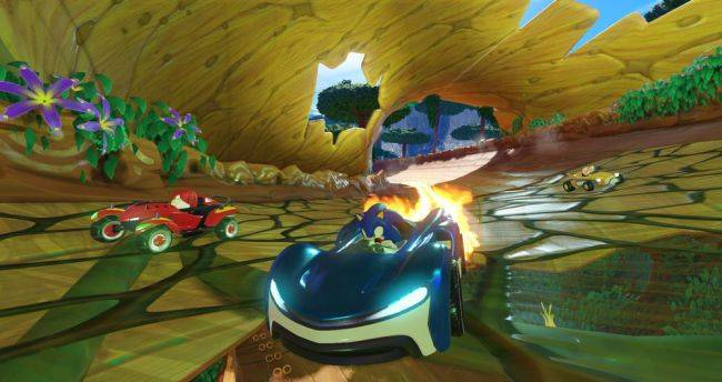 Team Sonic Racing, a co-op driven kart racer, has a reveal trailer