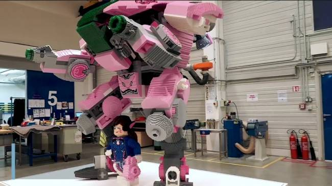 A Nine-Foot Lego D.Va Statue Will Be At BlizzCon