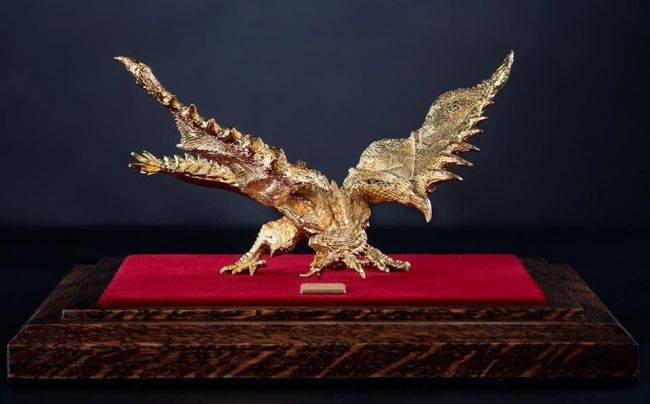 This solid gold Monster Hunter statue is officially licensed and costs a mere $80,000