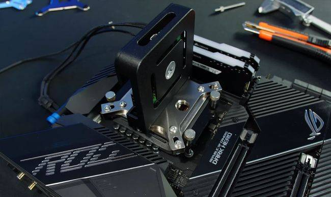 Pro overclocker modded an Intel cryo cooler to run on a Ryzen 9 5950X because why not