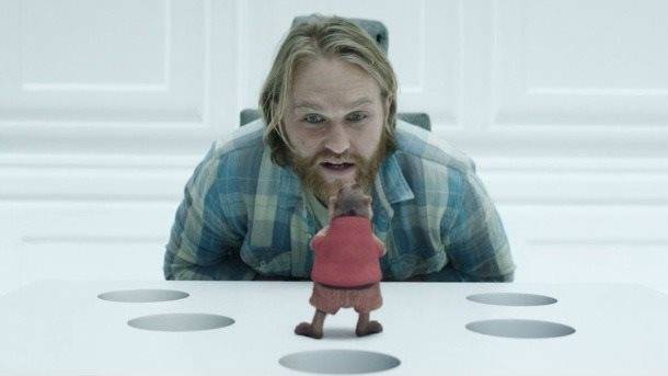"The Many Game Easter Eggs Of Black Mirror's ""Playtest"""