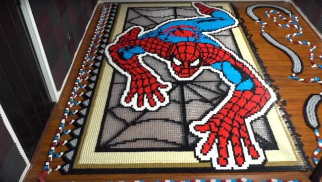 Spider-Man Gets Impressive Tribute In Dominoes