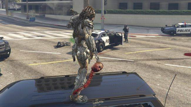 JulioNIB's predator mod for GTA 5 is faithful to the films, even the super gross stuff