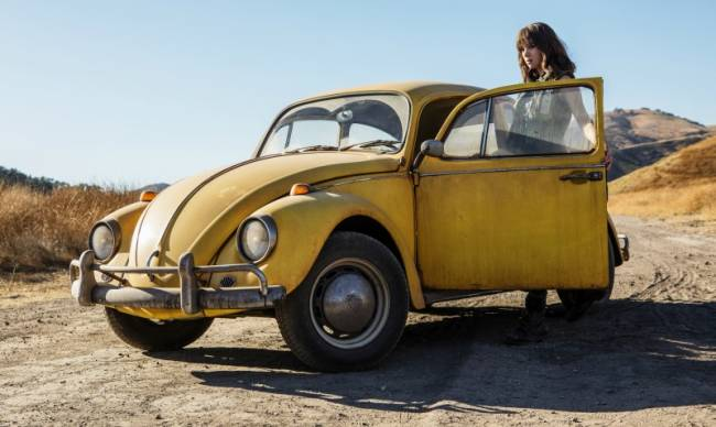 Bumblebee Recalls The 80s In Full-Length Trailer
