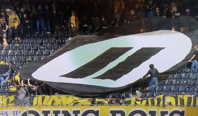 Swiss football fans protest esports by throwing tennis balls and controllers onto pitch